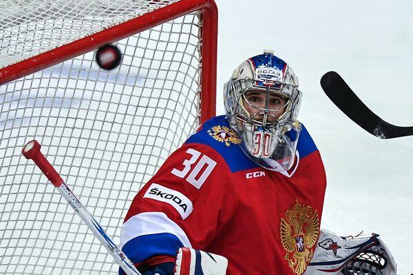 Вратарь сборной России Игорь Шестеркин