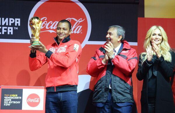Кубок ЧМ-2018 по футболу представили во Владивостоке