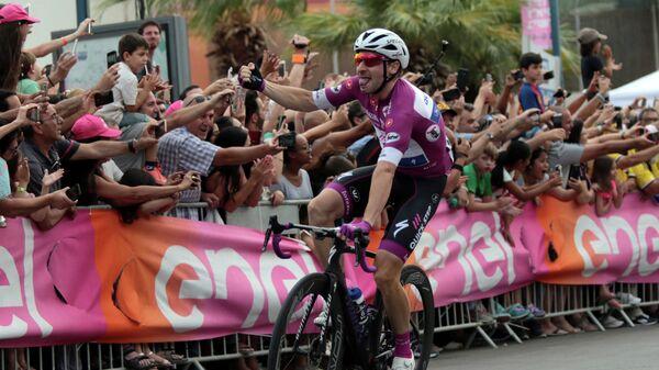 Итальянский велогонщик Элиа Вивиани из команды Quick-Step Floors