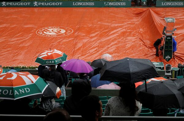 Дождь во время матчей Ролан Гаррос