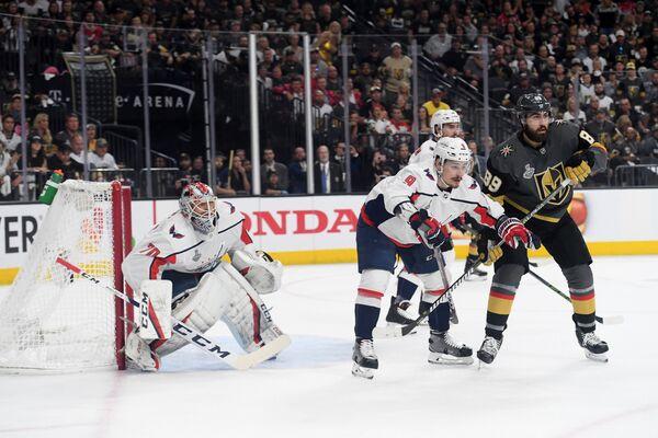 Матч между хоккейными клубами Вашингтон Кэпиталз и Вегас Голден Найтс