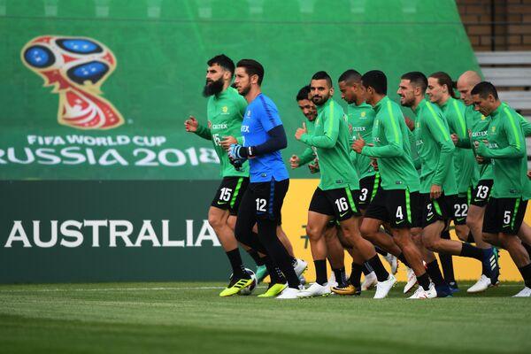 Футболисты сборной Австралии на тренировке