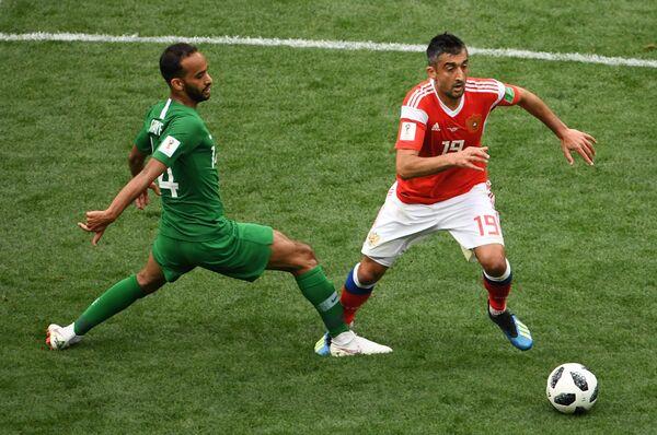 Слева направо: Абдаллах Утаиф (Саудовская Аравия) и Александр Самедов (Россия)