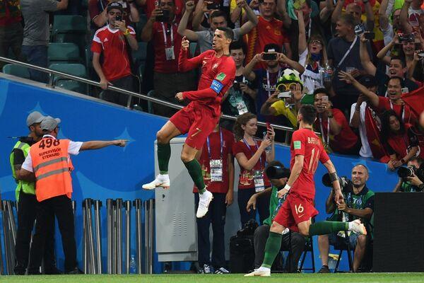 Криштиану Роналду радуется забитому голу