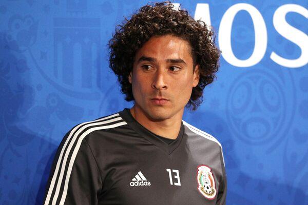 Вратарь сборной Мексики по футболу Гильермо Очоа