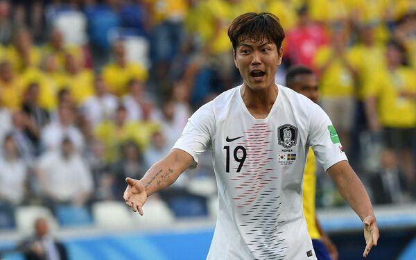 Защитник сборной Южной Кореи Ким Ён Гвон