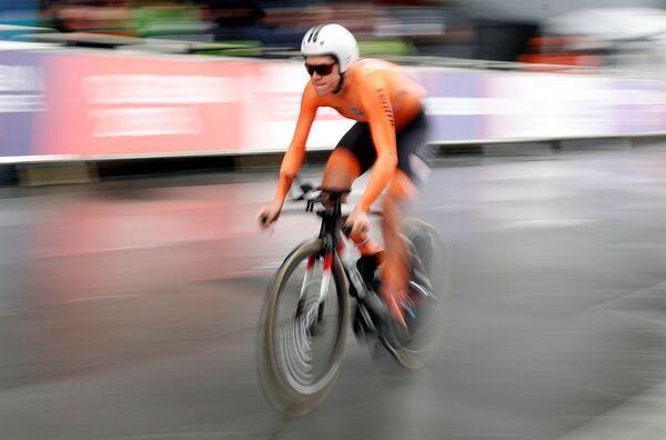 Голландская велогонщица Эллен ван Дейк