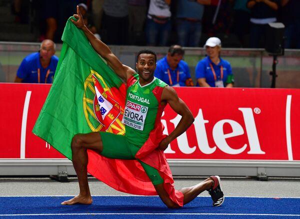 Португальский прыгун Нелсон Эвора