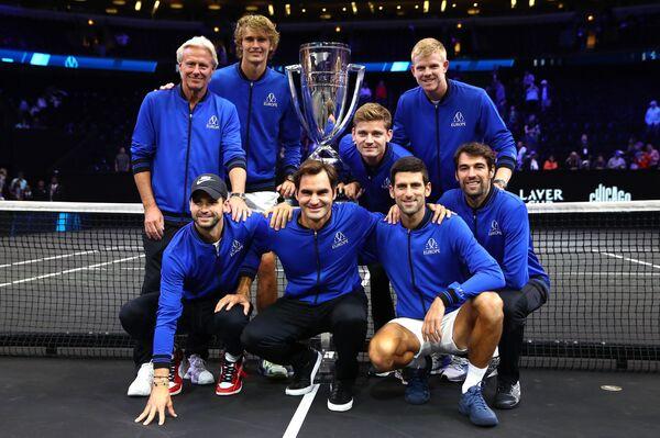 Сборная Европы по теннису с Кубком Лейвера