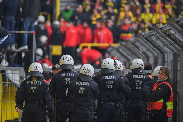 Полиция на матче Боруссия - Герта