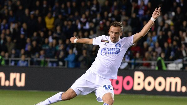 Игрок ФК Оренбург Денис Попович