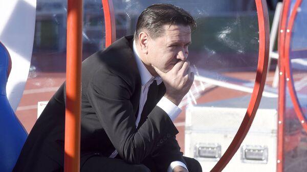 Главный тренер Енисея Дмитрий Аленичев