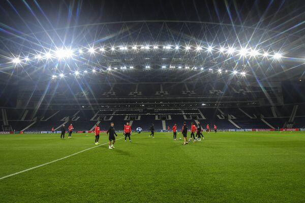 Тренировка Локомотива перед матчем с Порту