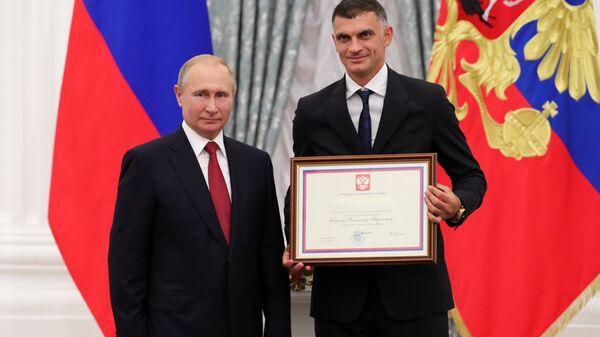 Владимир Путин и Владимир Габулов (справа)