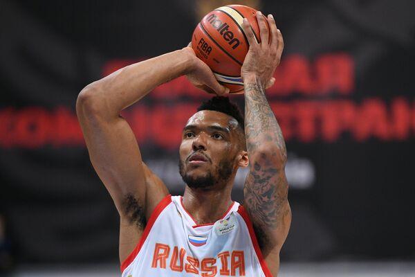 Баскетболист сборной России Джоэл Боломбой