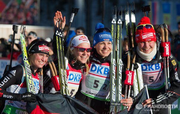 Немецкая сборная в составе Андреа Хенкель, Мириам Гесснер, Магдалены Нойнер и Тины Бахман