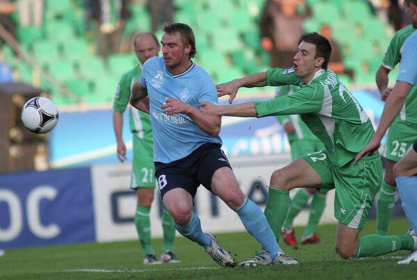 Игровой момент матча Крылья Советов - Томь