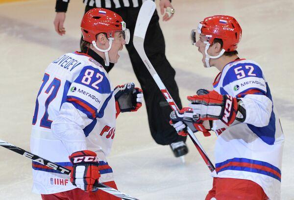 Евгений Медведев и Сергей Широков (слева направо)