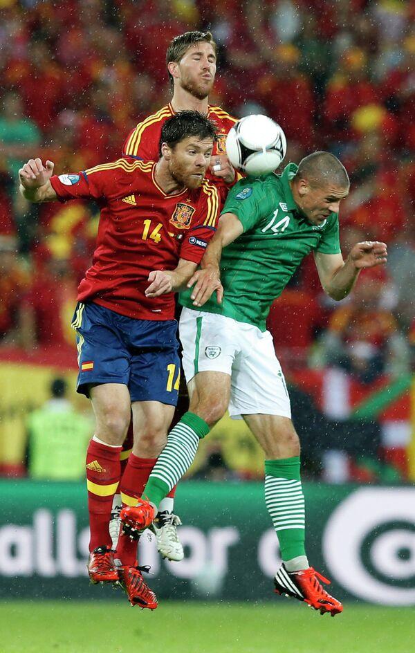 Игровой момент матча Испания - Ирландия