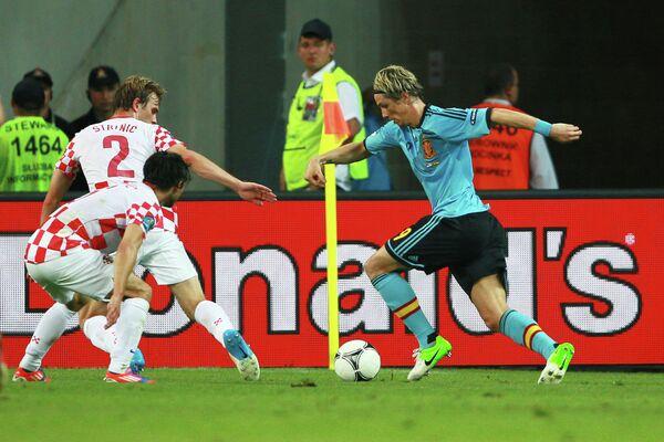 Игровой момент матча сборных Хорватии и Испании