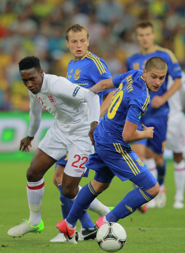 Игровой момент матча Англия - Украина