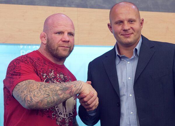 Джефф Монсон и Федор Емельяненко (слева направо)