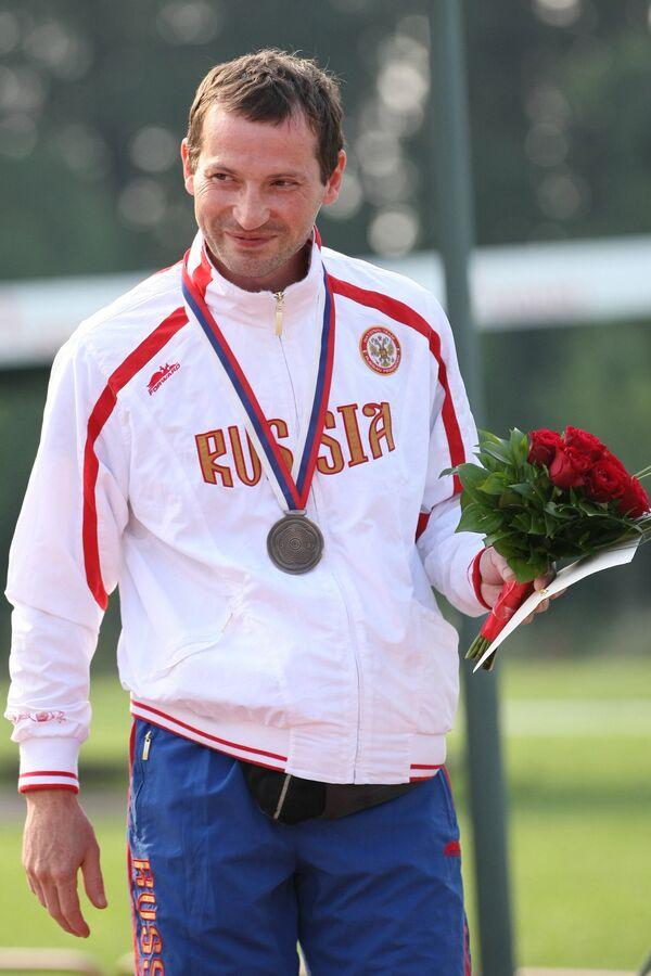Артем Хаджибеков
