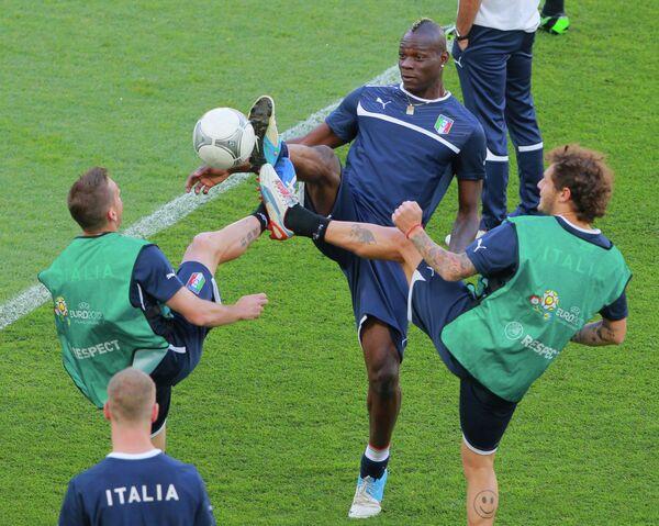 Тренировки сборных Италии и Испании