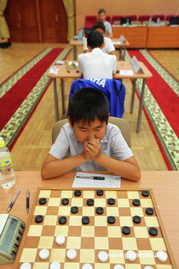 Соревнования по шашкам на на V МСИ Дети Азии
