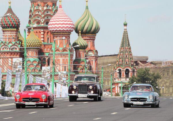 Парад ретроавтомобилей