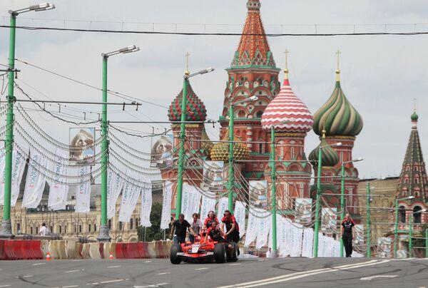 Болид команды Marussia F1 Team