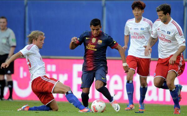 Игровой момент матча Барселона - Гамбург