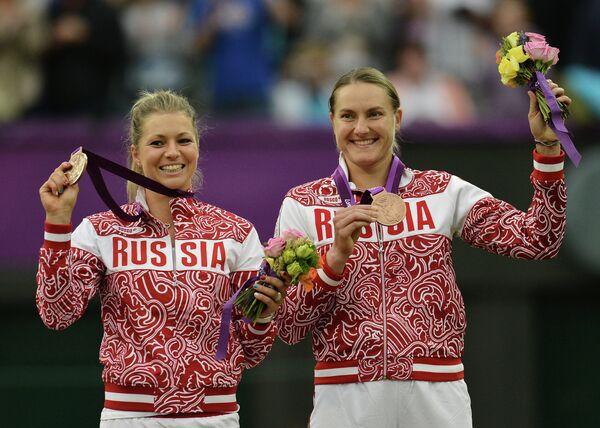 Мария Кириленко и Надежда Петрова (слева направо)