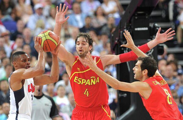 Игровой момент матча США - Испания