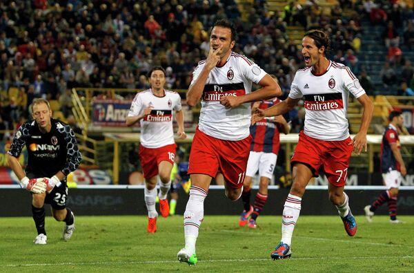 Игровой момент матча Болонья - Милан