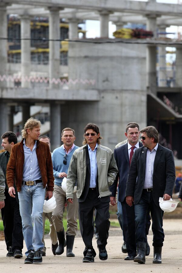Валерий Карпин, Леонид Федун, Андрей Федун (слева направо на первом плане)