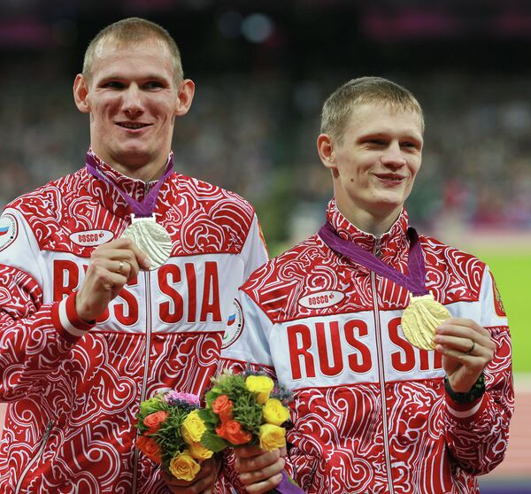 Артем Арефьев и Евгений Швецов (слева направо)