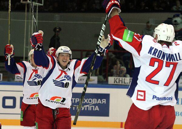 Хоккеисты Локомотива