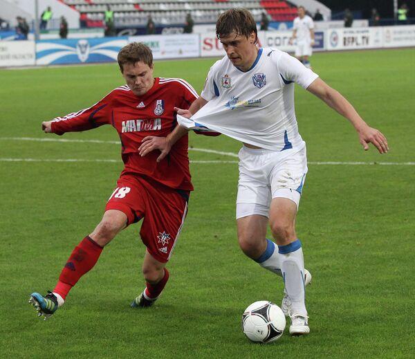 Игровой момент матча Волга - Мордовия