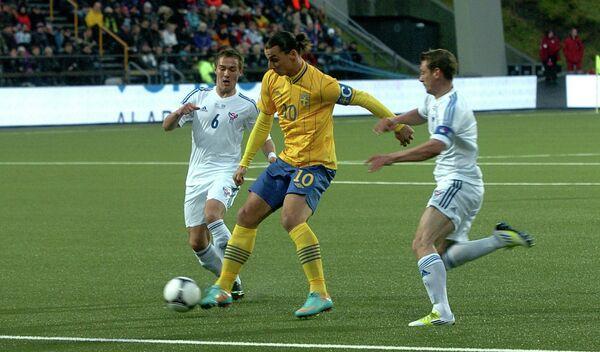 Игровой момент матча Фарерские острова - Швеция