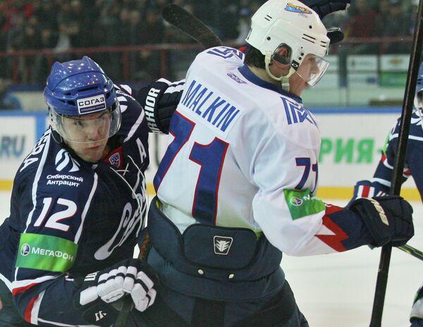 Йори Лехтеря и Евгений Малкин (слева направо)