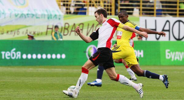 Игровой момент матча Анжи- Амкар