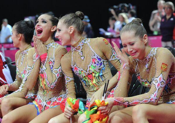 Российские гимнастки Анастасия Назаренко, Каролина Севастьянова, Анастасия Близнюк, Ульяна Донскова (слева направо)