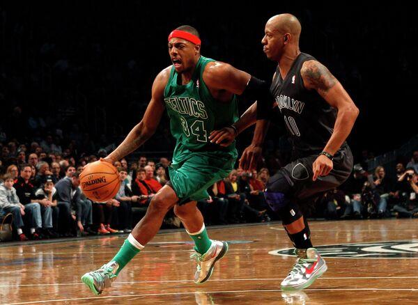 Игровой момент матча Бруклин Нетс - Бостон Селтикс