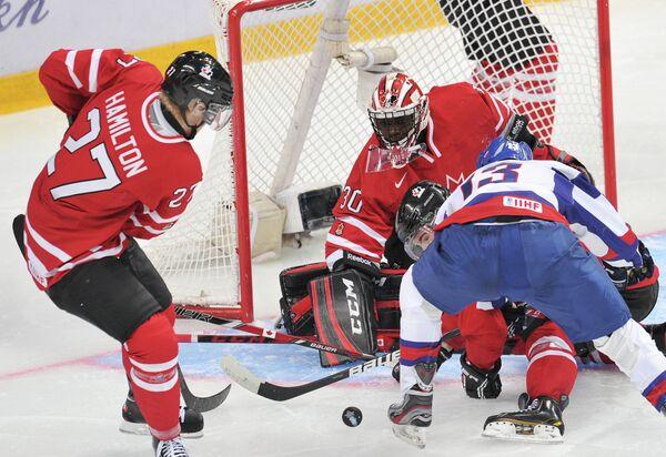 Игровой момент матча Канада - Словакия