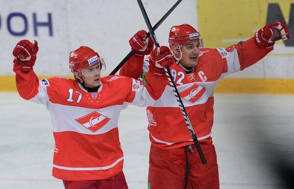 Николай Бушуев (слева) и Бранко Радивоевич