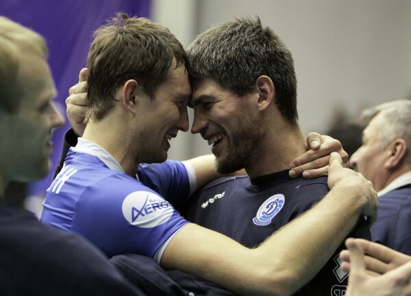 Волейболисты Динамо (Краснодар)  Станислав Еремин (слева) и Василий Носенко