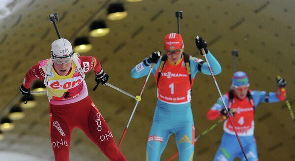 Норвежка Тура Бергер, украинка Елена Пидгрушная и россиянка Ольга Зайцева (слева направо)