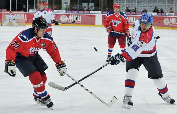 Александр Скопинцев и Валерий Зелепукин (справа)