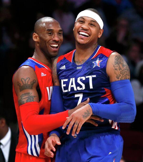 Кобе Брайант и Кармело Энтони во время ежегодного Матча всех звезд НБА